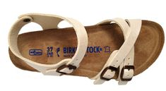 Kumba sandals for ladies, by Birkenstock. Buy Birkenstock online, or in Florence at Valentina Calzature shoe store. Birkenstock Sandals, Birkenstock Mayari, Flat Sandals, Flats, Pearl White, Birkenstocks, Style Inspiration, Pearls, My Style