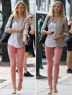 Efeito da moda.: Calça colorida. '-'