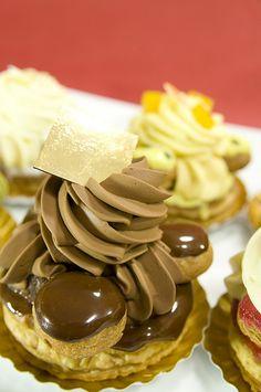 Saint-Honoré Carrément Chocolat, Ô Saint-Honoré!, Pierre Hermé Paris, Shinjuku Isetan | Flickr - Photo Sharing!