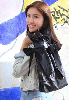 JUICY GARDEN Sequin Tote Bag-ON SALE!! http://marketplace.zalora.com.hk/Sequin-Tote-Bag-175774.html
