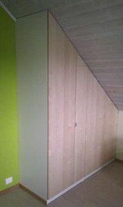 IKEA garderobeskap under skråtak