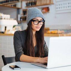 Täglich begleiten uns im Netz die neuesten Tipps und Tricks der Beauty-Blogger. Doch nicht alle davon machen wirklich Sinn. Wir klären auf.
