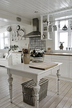 Shabby chic kitchen..