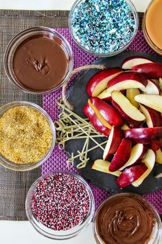Disney Descendants Party Ideas: Recipes, Crafts + More! - Disney Descendants Party Ideas: Recipes, Crafts + More! DIY Apple Dipping Station by Create Celebrate Explore 6th Birthday Parties, 8th Birthday, Birthday Ideas, Mickey Birthday, Cake Birthday, Movie Party, Party Time, Party Party, Ideas Party