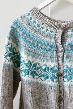 Ravelry: guroskaar's Nancykofte Sweater Knitting Patterns, Knitting Charts, Knit Patterns, Hand Knitting, Norwegian Knitting, Knit Art, Fair Isle Pattern, Fair Isle Knitting, Knitting Projects