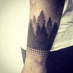 "Gefällt 123 Mal, 4 Kommentare - Ted Flíntstxne (@tedflintstone) auf Instagram: ""Forest wrap around had me sweating last night. Start on Hadley's sleeve.  Thanks for looking.…"""