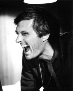 Alan Alda - M*A*S*H - I don't like to idolize actors and actresses, but Alan Alda's laughter was so charming and contagious
