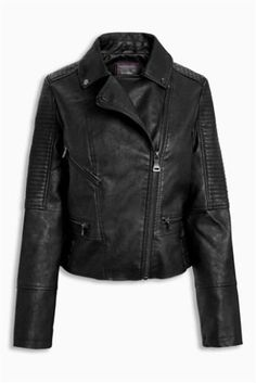 For that classic biker girl look for halloween, opt for this leather jacket! This jacket will become a staple piece of your winter wardrobe as well as a crucial part of your costume.