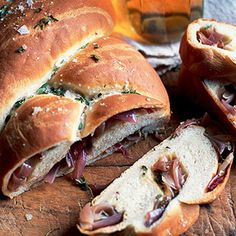 Rediscover the pleasure and satisfaction of baking your own bread. Our crisp, crusty plait is simple to make and delicious to eat – especially when served with a hunk of cheese. Savoury Baking, Savoury Dishes, Bread Baking, Bread Plait, Bread Recipes, Baking Recipes, Onion Bread, Christmas Bread, Diy Snacks
