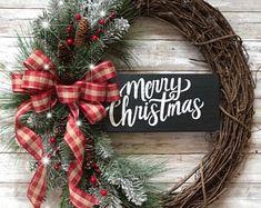 Welcome Wreath-Farmhouse Rustic – christmas decorations Grapevine Christmas, Christmas Wreaths To Make, Holiday Wreaths, Christmas Fun, Christmas Decorations, Grapevine Wreath, Winter Wreaths, Christmas Crafts With Pinecones, Rustic Christmas Crafts