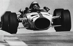 pinterest.com/fra411 #vintage #formula1 - 1966 Bruce Mclaren - Bruce McLaren Motor Racing, Mclaren M2B Ford