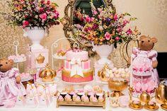 Hoje no blog temos Festa Ursas Princesas!!Uma decoração encantadora.Imagens Small Eventos.Lindas ideias e muita inspiração.Um fim de semana maravilhoso para todo mundo.Bjs, Fabíola Teles.Mais ...