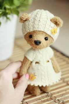 Adele By Ольга Нечаева - Good afternoon! I present to you my Adele. I sewed it by hand from the German viscose hand-dyeing. Inside padding polyester and a granulate. Bear has a nice weight. Feet and head for the pin. They're moving. Bear knows how to stand and sit. Height standing 16 cm. Th...