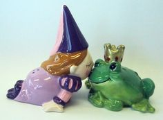 "Image detail for -. And Frog Kissing ""Mwah"" Magnetic Salt And Pepper Shakers - 93419 Salt N Peppa, Fantasy Island, Salt And Pepper Set, Kitchen Things, Salt Pepper Shakers, Kissing, Frogs, Old And New, Fairies"