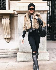 Shara Tamarit wearing Hunter Original Wellington Tall Boots @sharatamarit