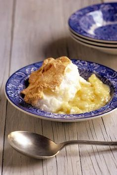 A traditional Afrikaans dessert. The recipe is on the… Sago Pudding Recipe, Pudding Recipes, Sago Recipes, South African Dishes, South African Recipes, Africa Recipes, Kos, Ma Baker, Winter Desserts