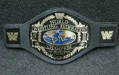 WWE Elite Glossy CLASSIC WOMENS CHAMPIONSHIP Wrestling Figure TITLE BELT Pink B8
