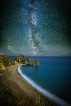 Durdle Door Milky Way - Andi Campbell-Jones - Spent the evening/morning at Durdle Door last night with every intention of getting this shot! What I didn't check was the position of the milky way. I have used a small bit of creative license here d... http://ift.tt/2bXH6nH IFtemppicpinned in Building blocksdownld in ios #September 5 2016 at 08:26AM#via IF