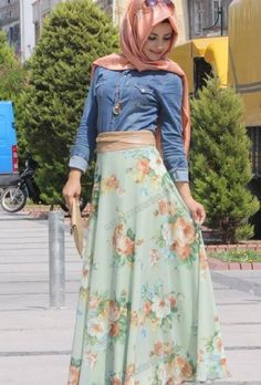 YES! I want to know where to get this Maxi skirt though!!!