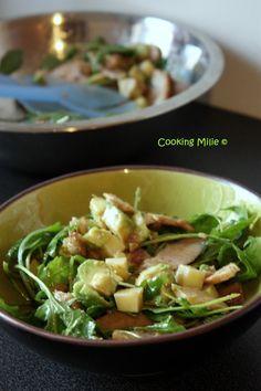 Salade de roquette, poulet, avocat et comté et vinaigrette aux échalotes