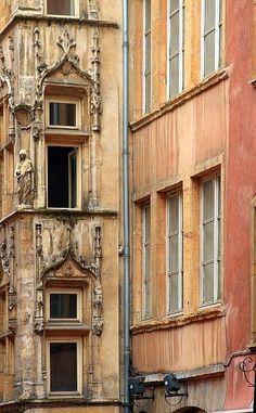 Vieux Lyon - Maison Claude Debourg