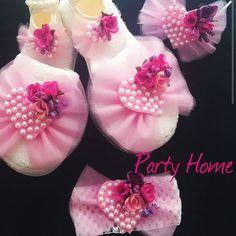 #lohusa #lohusataci #lohusaterligi #tasarim #kisiyeozel #hediye #hediyelik #gift #baby #babyshower #babys #present #insta #instalike #instagood #soft #pink #organizasyon #white #partyhome #tul #terlik #taç #elemegi #elsanatlari #elişi #ozelgun