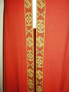 Reconstruction of Leksand cloak with tablet weaving at the Historisk Museum, Oslo