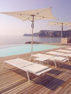 Porto piccolo Sistiana - Outdoor furniture with Victor Sunloungers in an amazing place!! #Sunloungers #varaschin #design #outdoor #contract #sealife #relax
