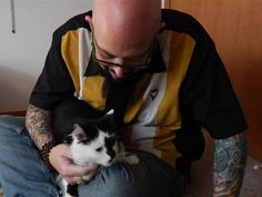 Jackson Galaxy: 'I get why' family called 911 on their cat