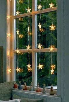 These hanging fairy lights bedroom ideas are perfect for your windows. These hanging fairy lights bedroom ideas are perfect for your windows. Noel Christmas, All Things Christmas, Winter Christmas, Christmas Crafts, Christmas Windows, Outdoor Christmas, Elegant Christmas, Beautiful Christmas, Christmas Lights Bedroom