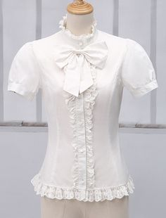 Being the most beautiful Lolita princess, Milanoo Lolitashow White Short Sleeves Pure Cotton Lolita Blouse couples with sweet styles and comfortable materials at affordable prices. Style Lolita, Gothic Lolita Dress, Style Édouardien, Mode Style, Cute Asian Fashion, White Fashion, Cute Blouses, Blouses For Women, Vestidos Vintage