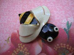 Vintage Jewelry Hand Painted Enamel Bee Ceramic Brooch JCLA