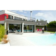 Une maison contemporaine avec piscine   Architecte : Jacques Pichon Retrouvez d'autres réalisations de nos architectes partenaires sur www.archionline.com #f4f #s4s #l4l #c4c #likeforlike #likeall #like4like #likes4likes #liking #instagood #tagblender #follow #followme #followback #followforfollow #follow4follow #followers #followher #follower #followhim #followbackteam #followall #comment #comments #commentback #comment4comment #commentbelow #shoutout #shoutouts #shoutoutback
