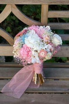 Ramo de novia, hortensia, rosa y clavel