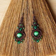 Earrings with cat-eye and glass beads Macrame Rings, Macrame Necklace, Macrame Knots, Macrame Jewelry, Macrame Bracelets, Beaded Earrings, Crochet Earrings, Earrings Handmade, Micro Macramé