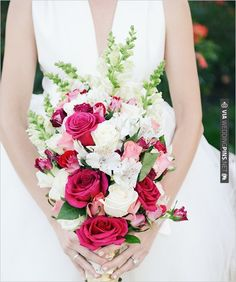 rose wedding bouquet | VIA #WEDDINGPINS.NET