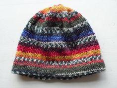Voor Abel maakte ik een warme muts En dat was leuk breien, want ik gebruikte slechts 1 draad die steeds van kleur veranderde en soms ook ee... Kids Hats, Children Hats, Free Knitting, Knitted Hats, Projects To Try, Beanie, Crafty, Stitch, Was