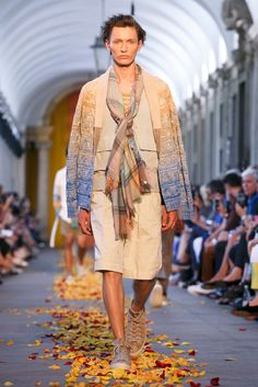 A look from the Missoni Spring 2016 Menswear collection.