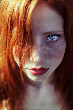 Photographer Maja Topcagic captures portraits of redhead women to show the beauty of freckles Models With Freckles, Black Hair And Freckles, Beautiful Freckles, Gorgeous Redhead, Beautiful Eyes, Beautiful Women, Simply Beautiful, Redheads Freckles, Freckles Girl
