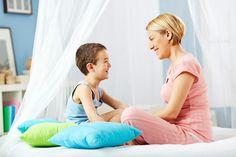Ребенок не говорит с родителями: что делать?