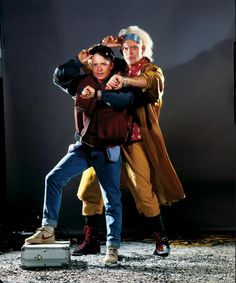 BTTF -------- Previously unreleased production photo of Michael J. Fox and Christopher Lloyd Cultura Nerd, Cultura Pop, Marty Mcfly, Exposition Photo, Doc Brown, Michael J Fox, Bttf, Back To The Future, Film Serie