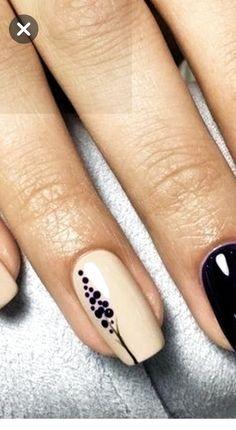 Minimal nails and details – gel nails Nail Art Hacks, Gel Nail Art, Easy Nail Art, Nail Art Diy, Nail Manicure, Diy Nails, Cute Nails, Pretty Nails, Nail Polish