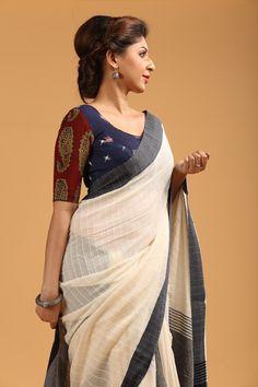 Top best stunning Kalamkari blouse designs for women saree. Buy best designer blouses with Kalamkari saree. Kalamkari fashion work short sleeve blouse designs for saree. Kalamkari Blouse Designs, Saree Blouse Neck Designs, Kalamkari Saree, Saree Blouse Patterns, Kalamkari Blouses, Saree Styles, Blouse Styles, Sari Bluse, Indische Sarees