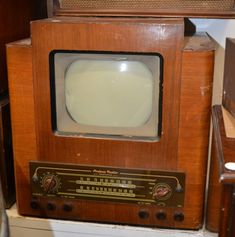 Vintage Television, Television Set, Record Players, Phonograph, Vintage Tv, Box Tv, Tv On The Radio, Tv Videos, Tvs