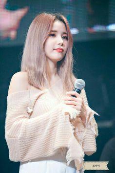 Kpop Girl Groups, Korean Girl Groups, Kpop Girls, Solar Mamamoo, South Korean Girls, Korean Women, K Pop, Mamamoo Kpop, Sun Solar