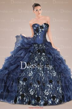 Solemn Sweetheart Quinceanera Dress Holding Floral Applique and Tiered Ruffles