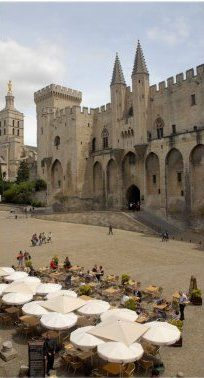 The best restaurants (Michelin starred and affordable brasseries) in #Avignon #France