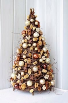 In this DIY tutorial, we will show you how to make Christmas decorations for your home. The video consists of 23 Christmas craft ideas. Cone Christmas Trees, Christmas Holidays, Christmas Wreaths, Christmas Ornaments, Contemporary Christmas Trees, Holiday Crafts, Holiday Decor, Christmas Embroidery, Rustic Christmas