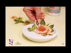 Art of decorating  English: Decoupage tutorial on plate Romanian: Tutorial tehnica servetelului pe farfurie