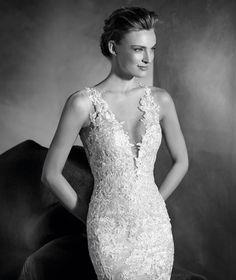 NILAY - Robe de mariée sirène, décolleté en V, bretelles en dentelle et tulle   Pronovias